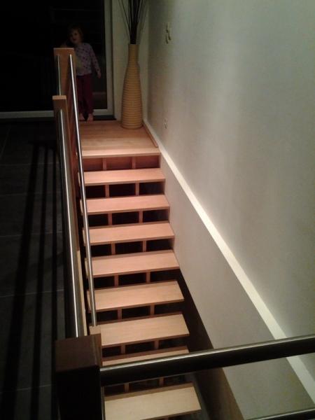 menuiserie preud homme sprl escaliers contemporains. Black Bedroom Furniture Sets. Home Design Ideas